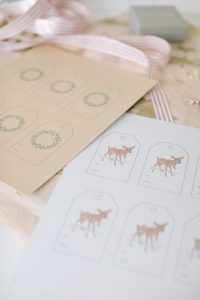 wreath and deer gift tag printable
