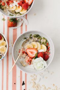 oats with strawberries and blooms
