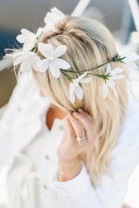Crew paper daisy flower crown