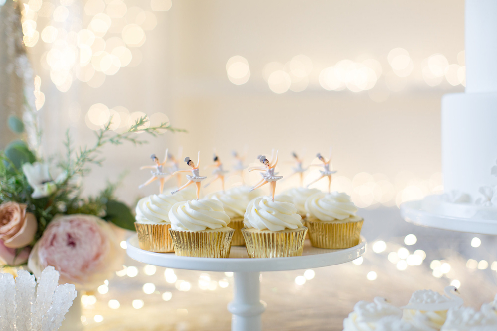 Swan lake birthday cupcakes