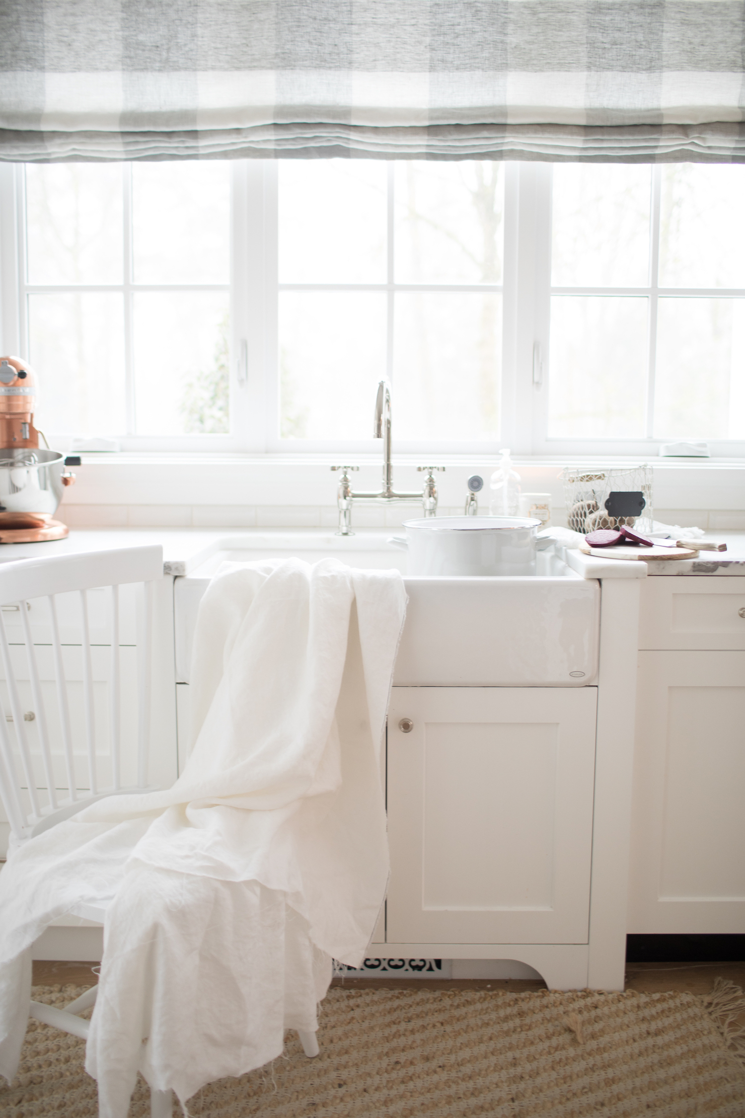 Dying white linens with beets