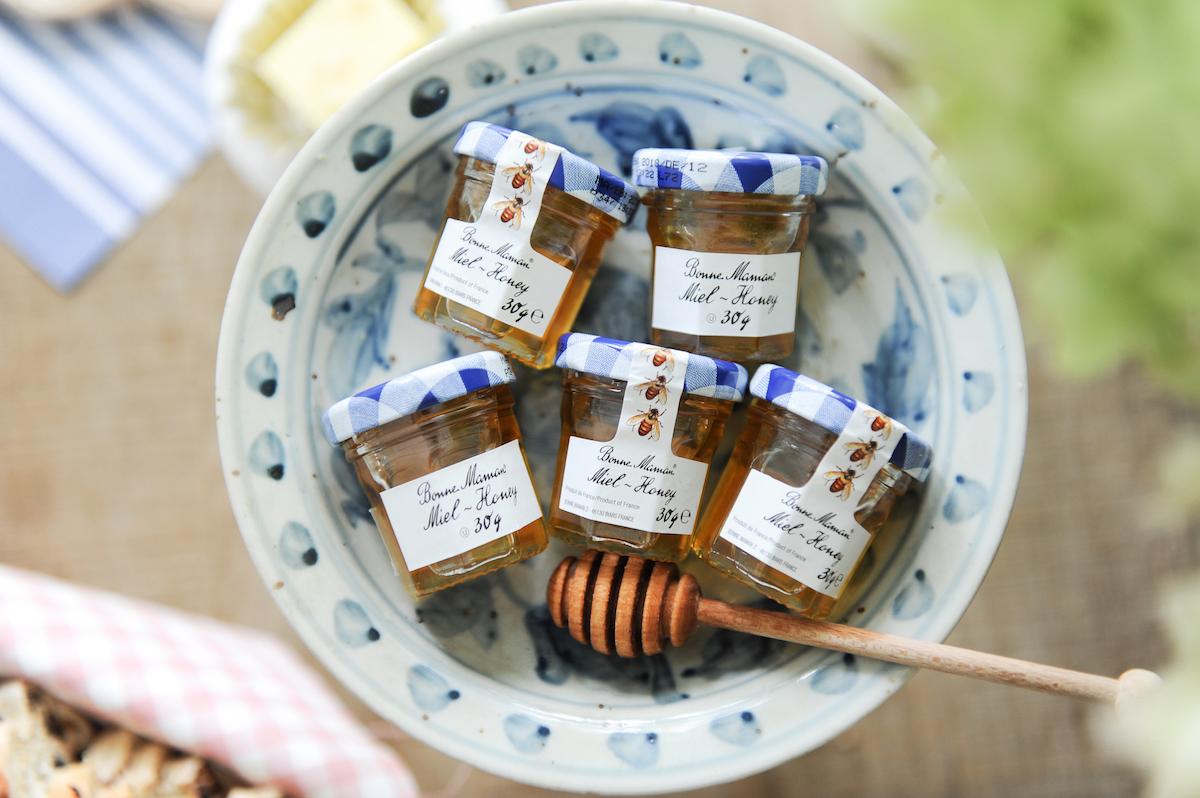 Mini honey in dish