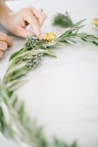 Olive wreath making steps