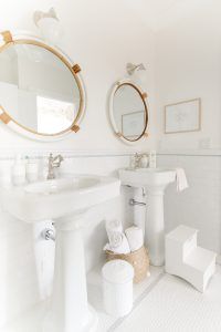 coastal jack and jill bathroom