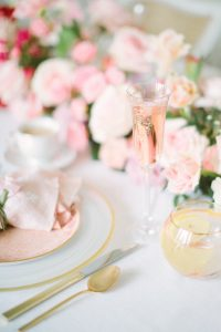 champaign flute with pink bubbles