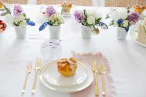 pretty place setting for mothers day