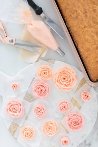 piped buttercream roses